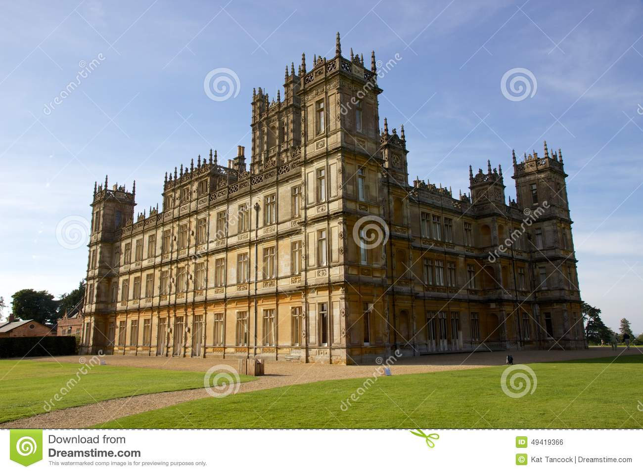 Highclere castle england shooting location for downton abbey editorial phot - Chateau de downton abbey ...