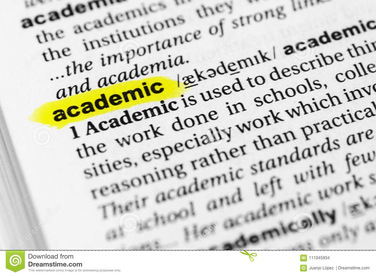 Highlighted English word `academic` and its definition in the dictionary