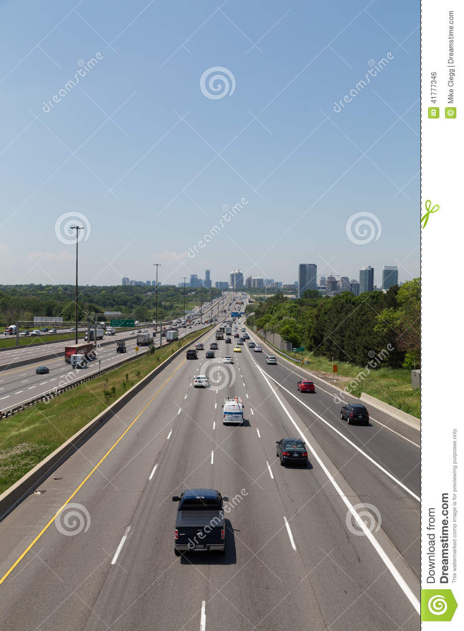 Highway 401 during the day editorial photo  Image of canada - 41777346