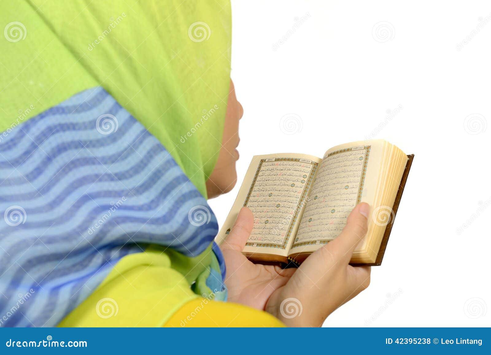 Hijab kobiety czytelniczy koran
