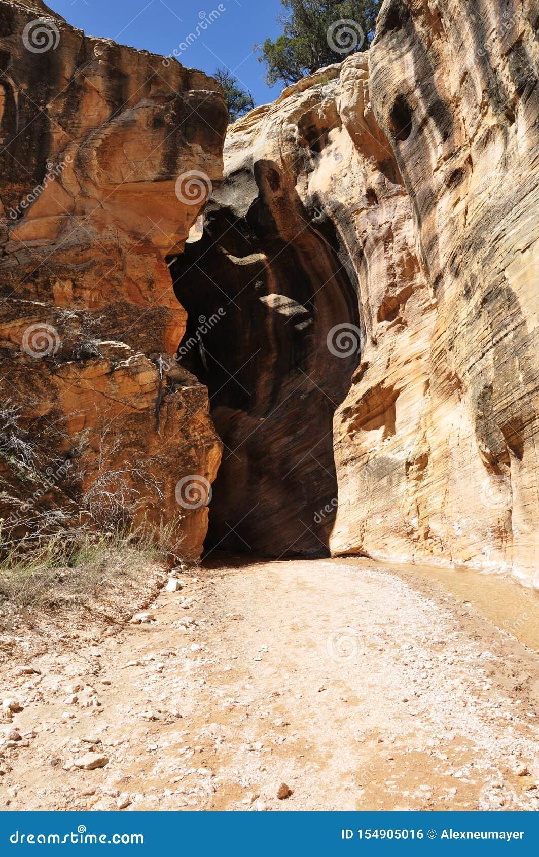 Willis Creek Slot Canyons Utah