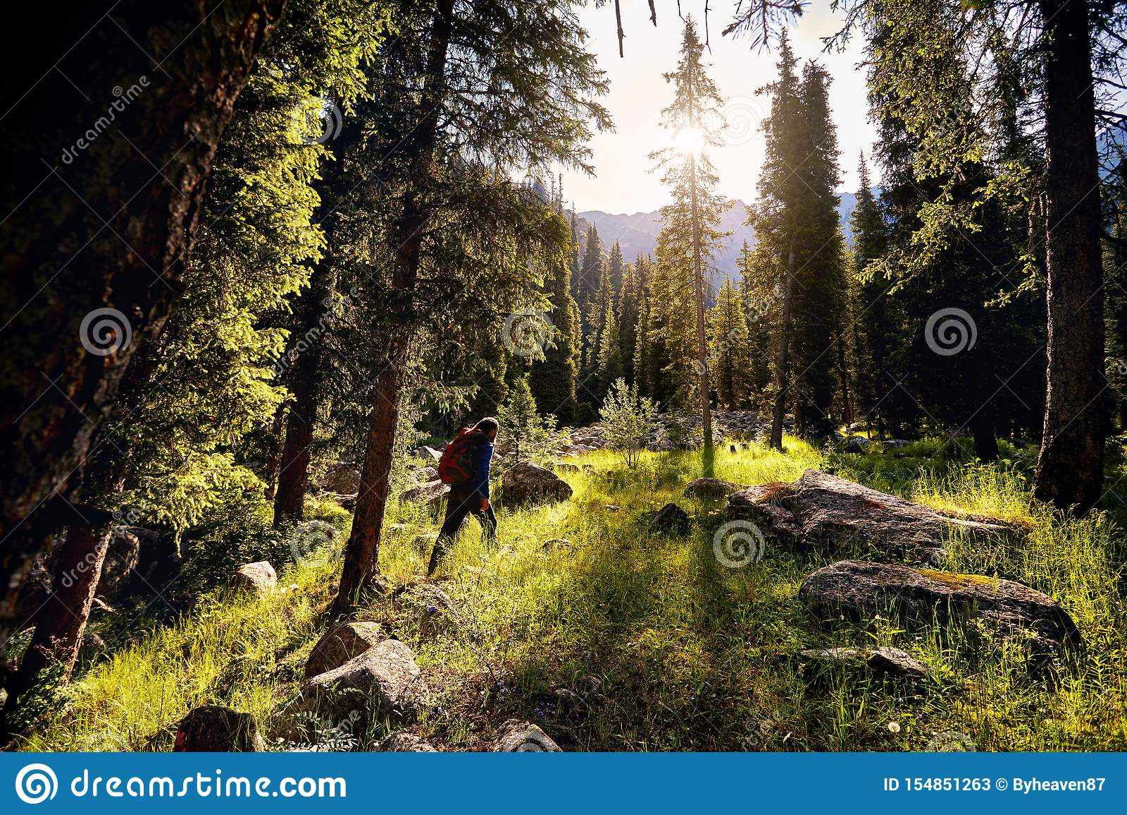 Hiker в горах