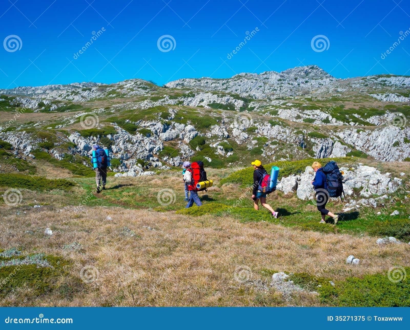 Trekking Group 92