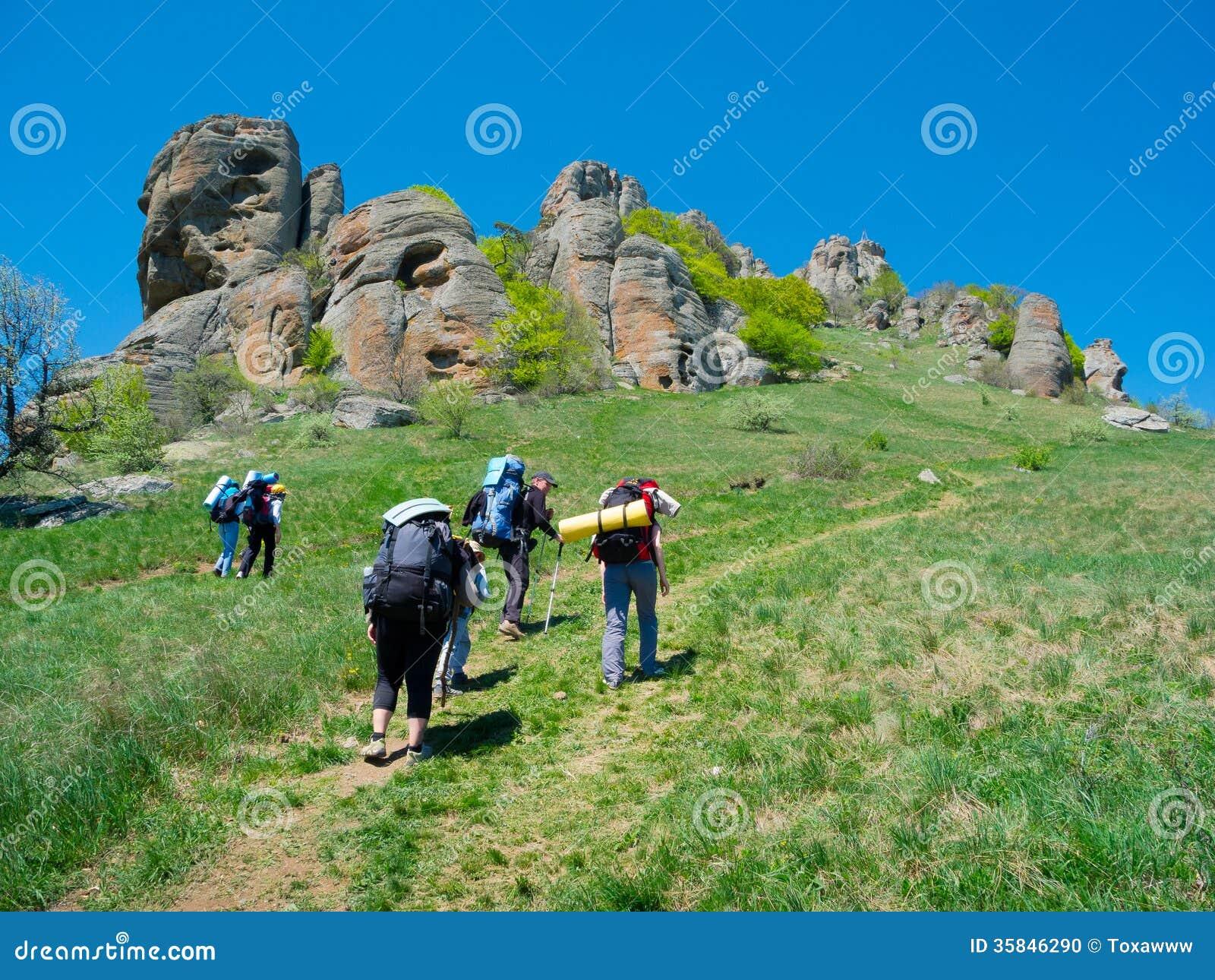 Trekking Group 10