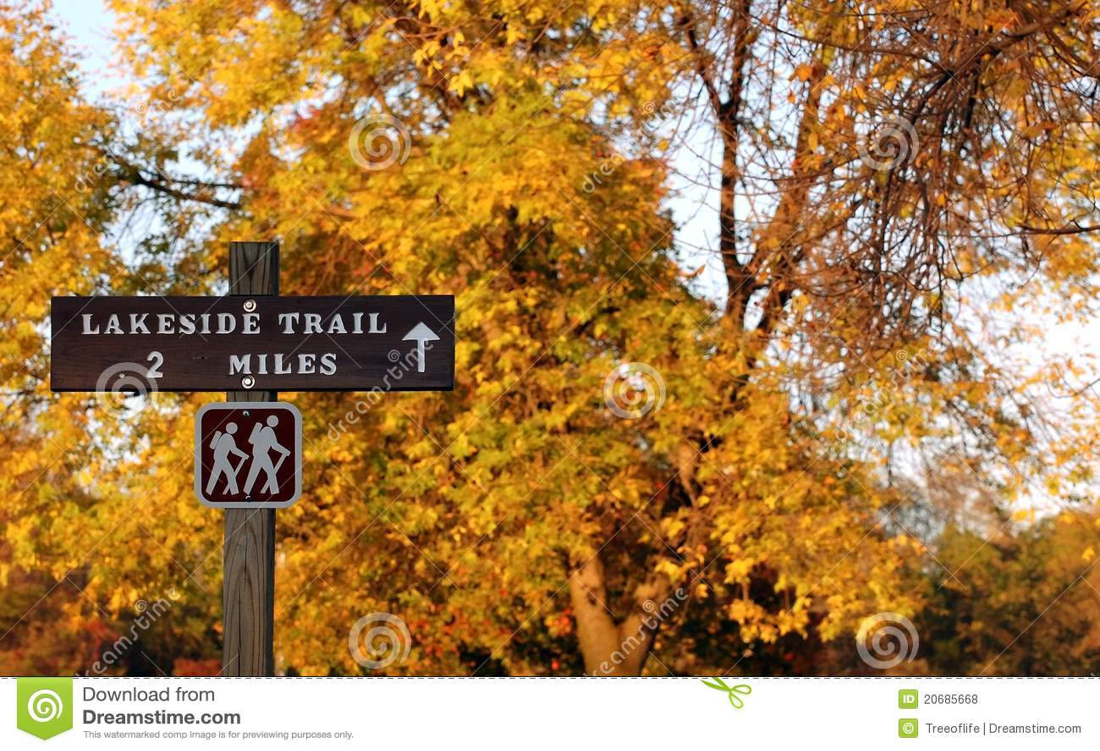 Hiking тропка знака