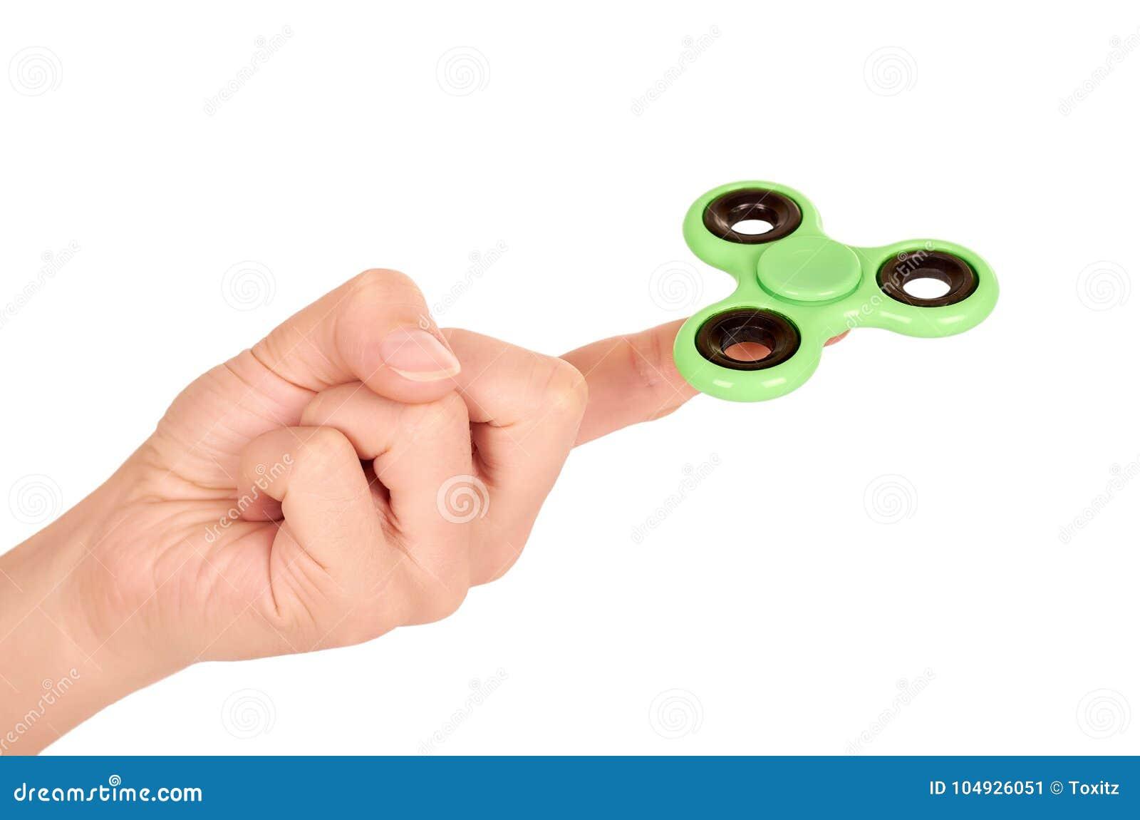 Hilandero verde de la persona agitada a disposición aislado en el fondo blanco