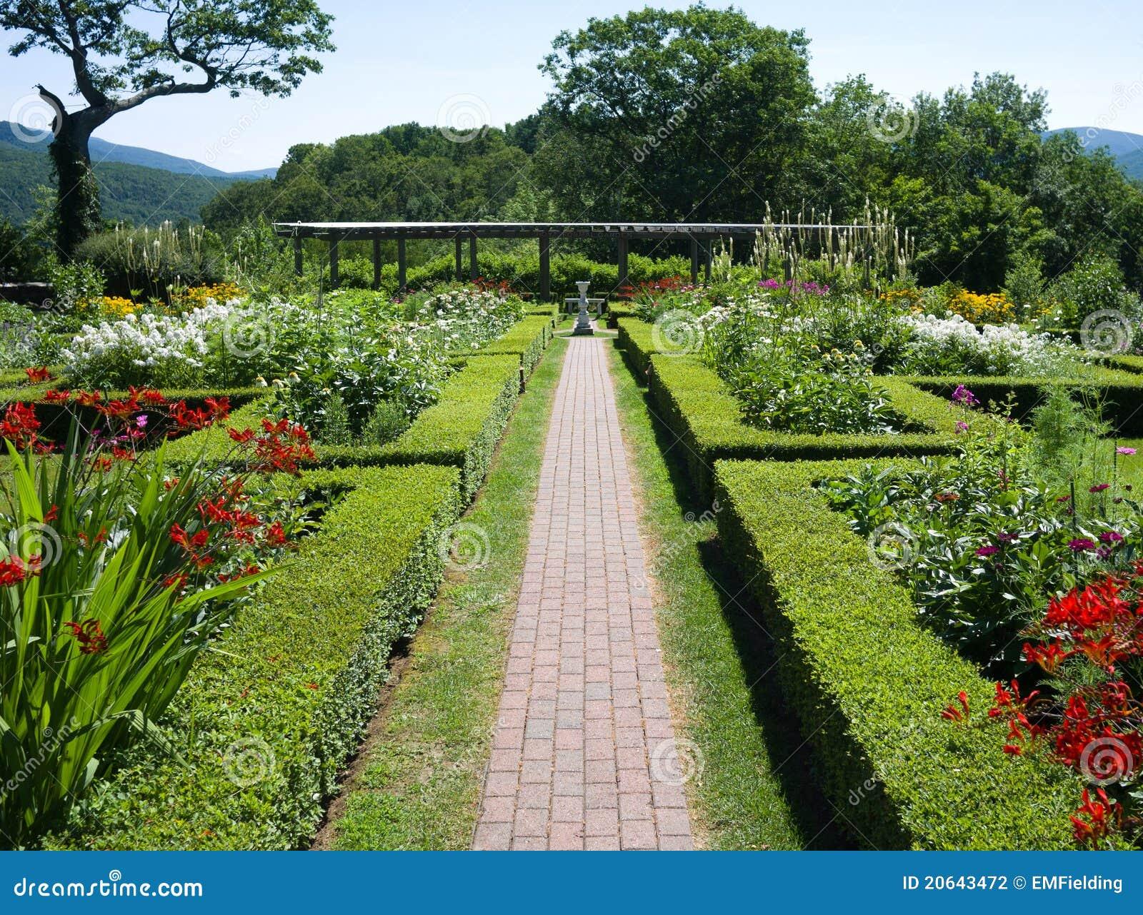 Hildene Farm Gardens S...