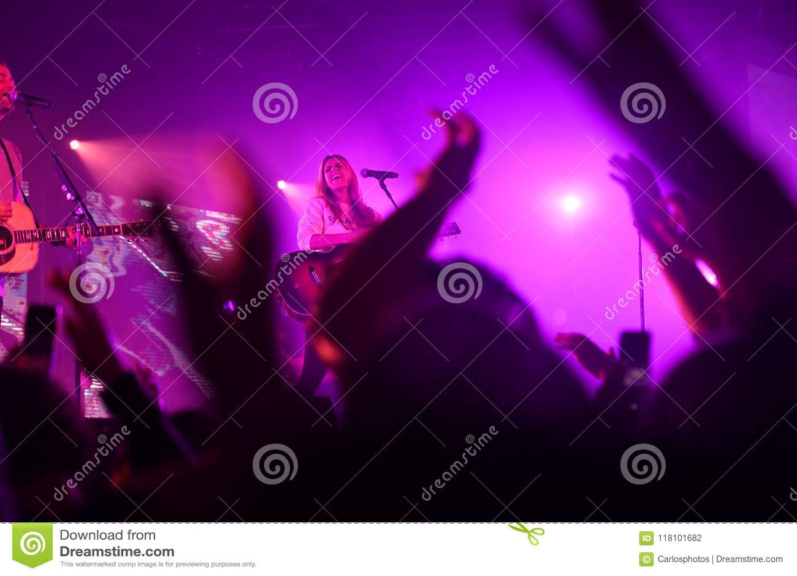 Hillsong Worship Performing In Saint Louis Missouri On April