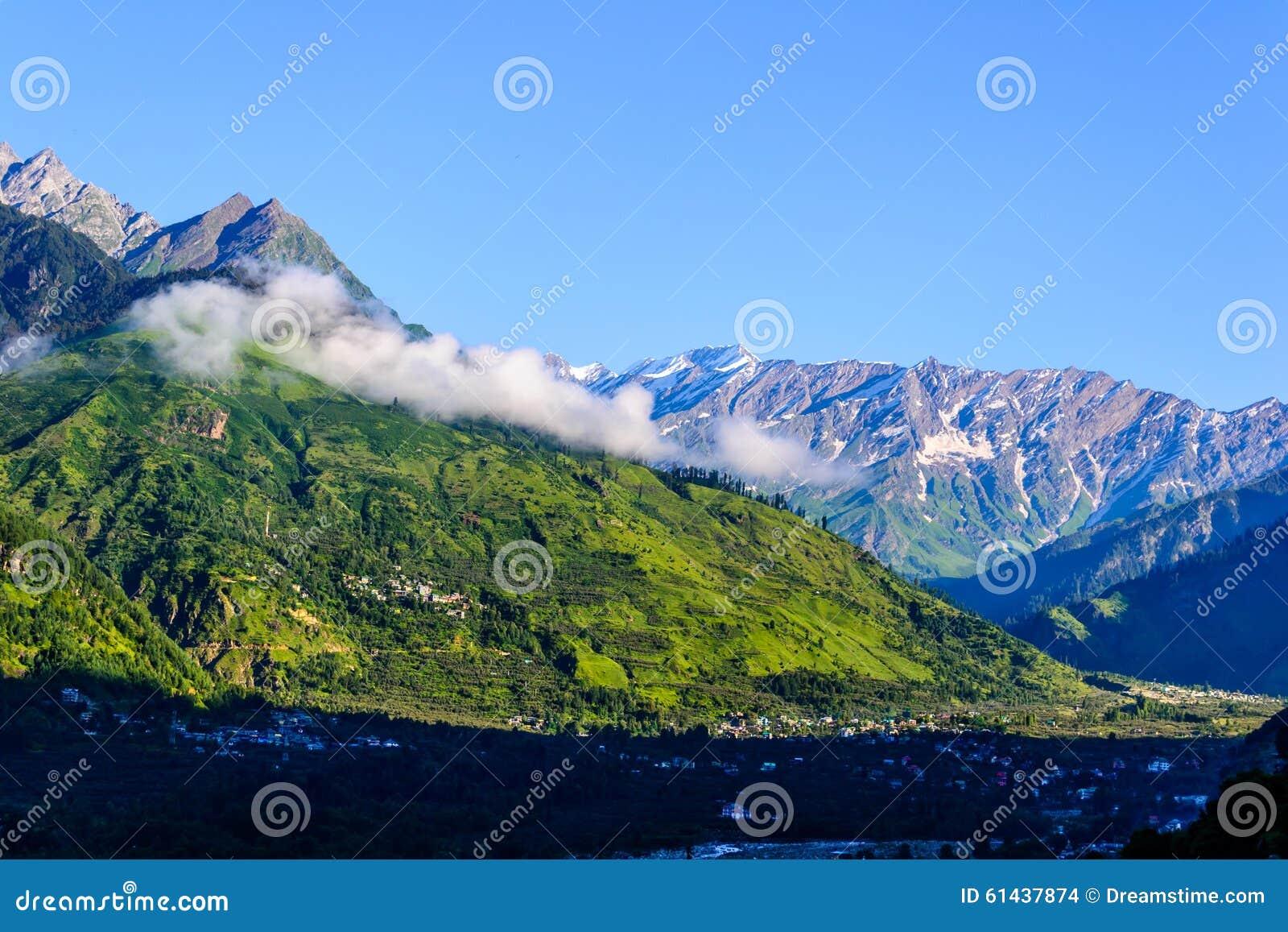 Himalajskie góry w ranku
