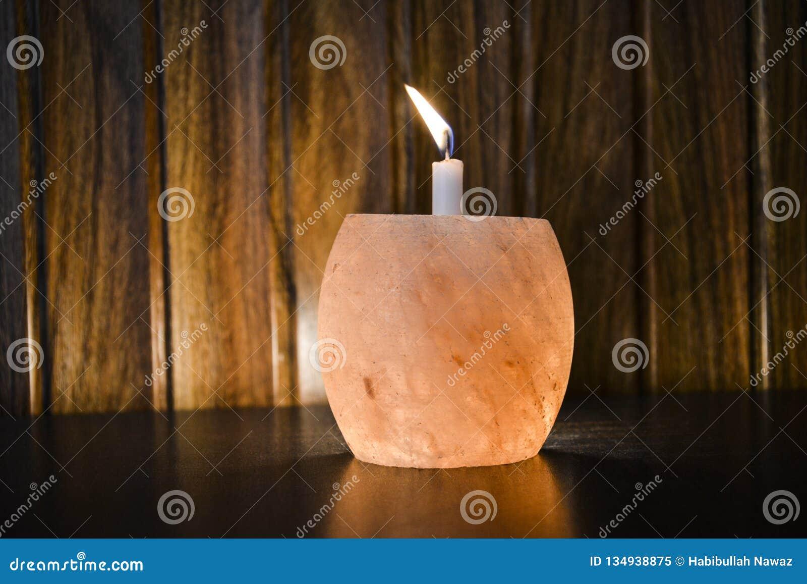 Himalayan salta lampstearinljushållaren