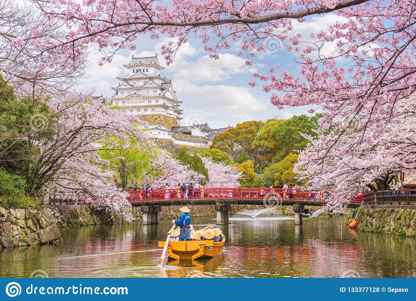 Himeji-Schloss, Japan im Frühjahr