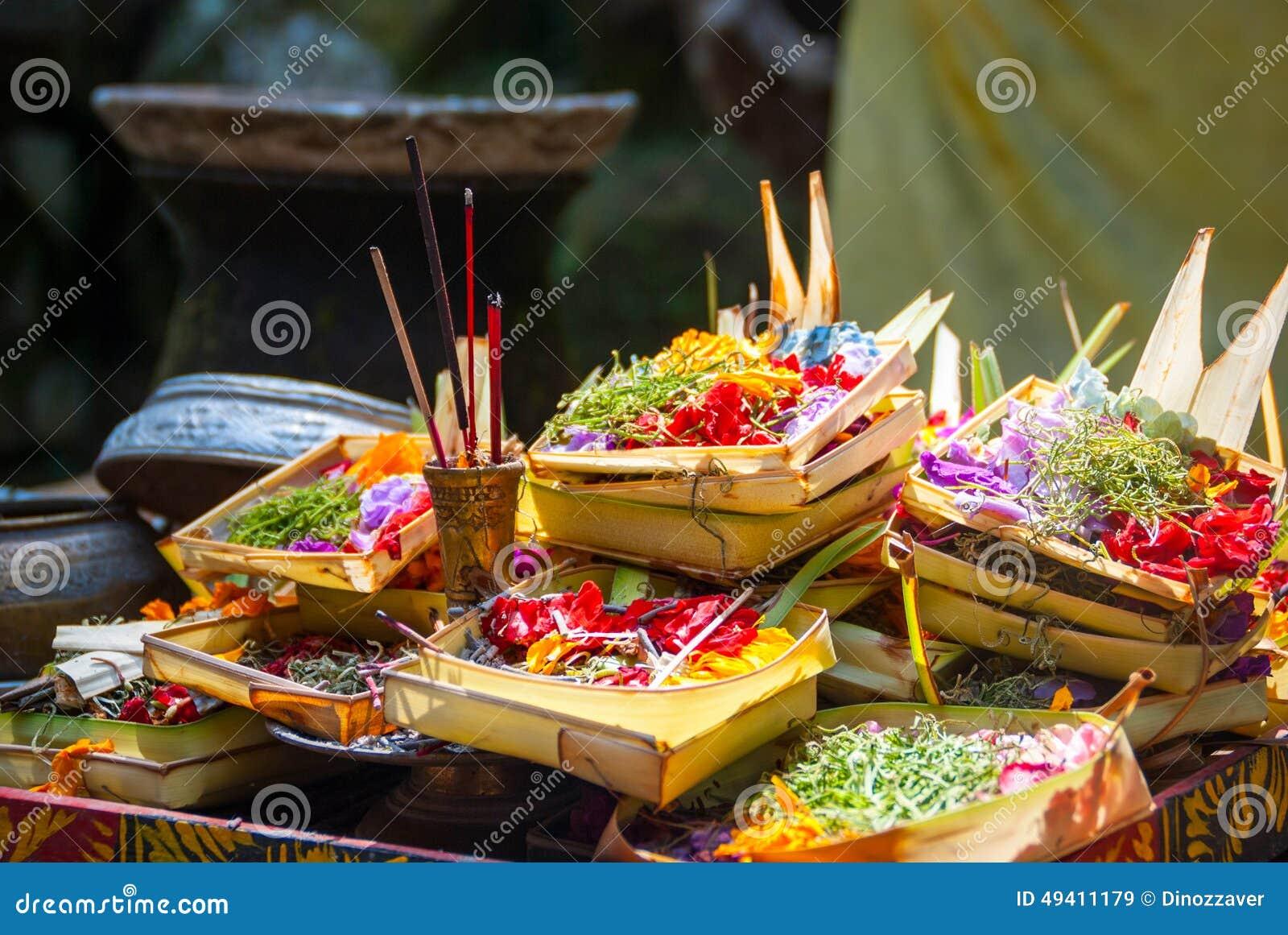 Download Hindische Angebote Am Tempel In Bali, Indonesien Stockbild - Bild von fromm, asiatisch: 49411179