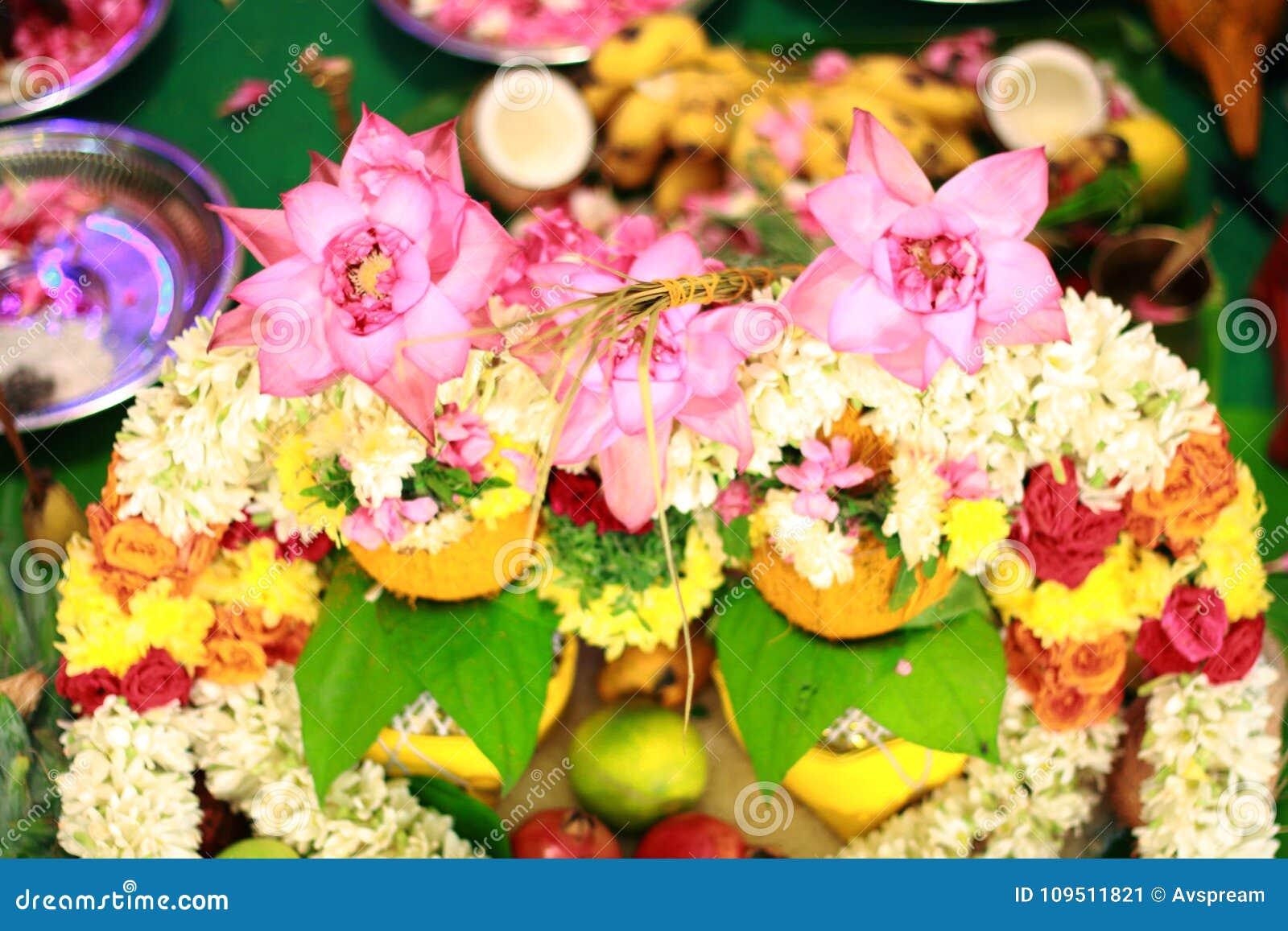 Hindische Indische Hochzeitszeremonie Blumen Stockbild Bild Von
