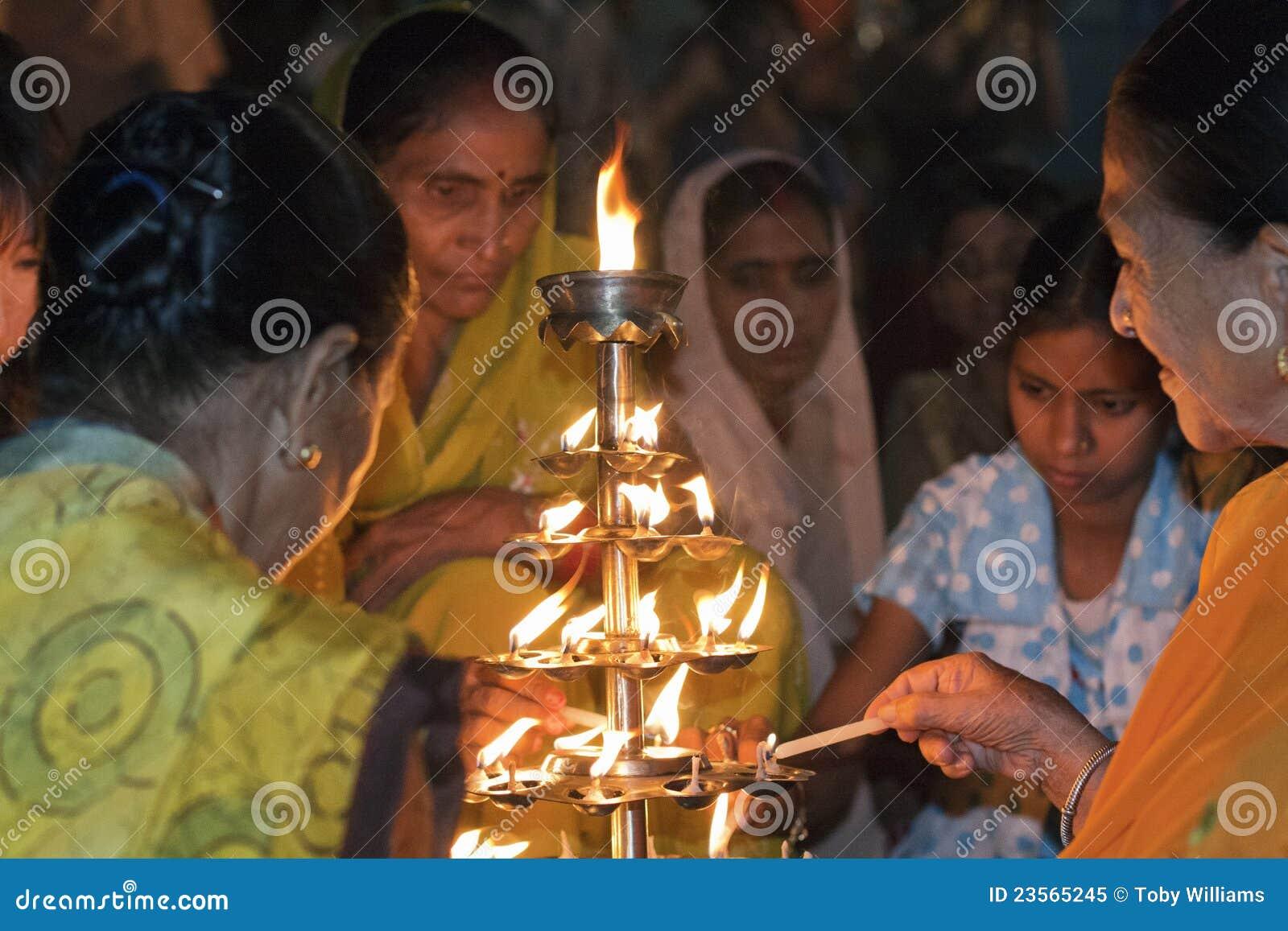 Hindu Women in Varanasi