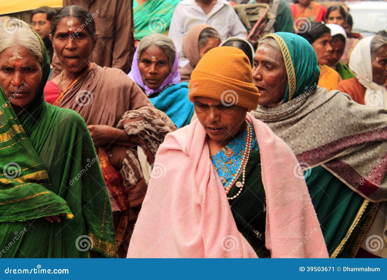Hindu women on the indian street