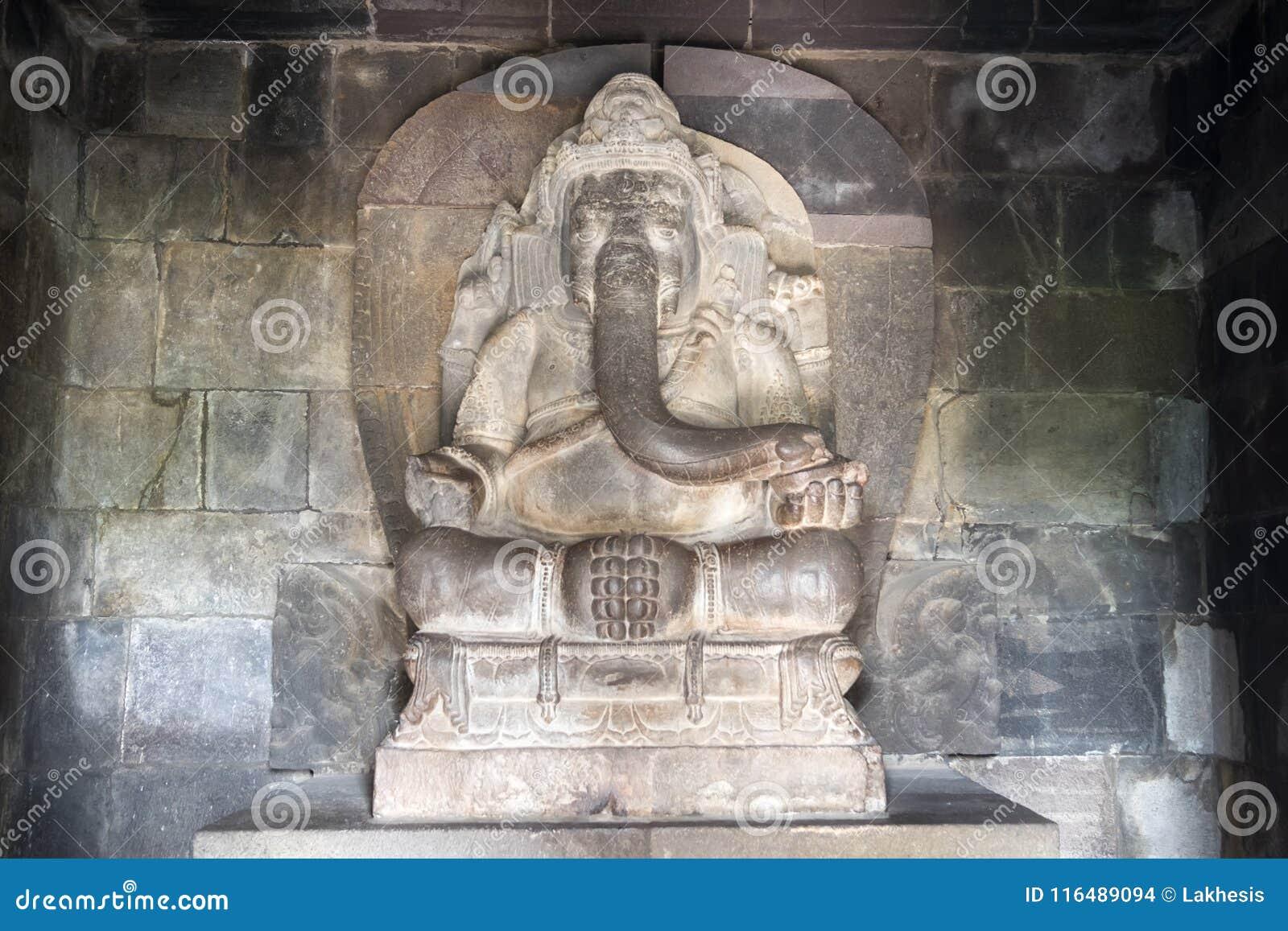 Hinduisk gud Ganesha i den Prambanan templet Indonesien