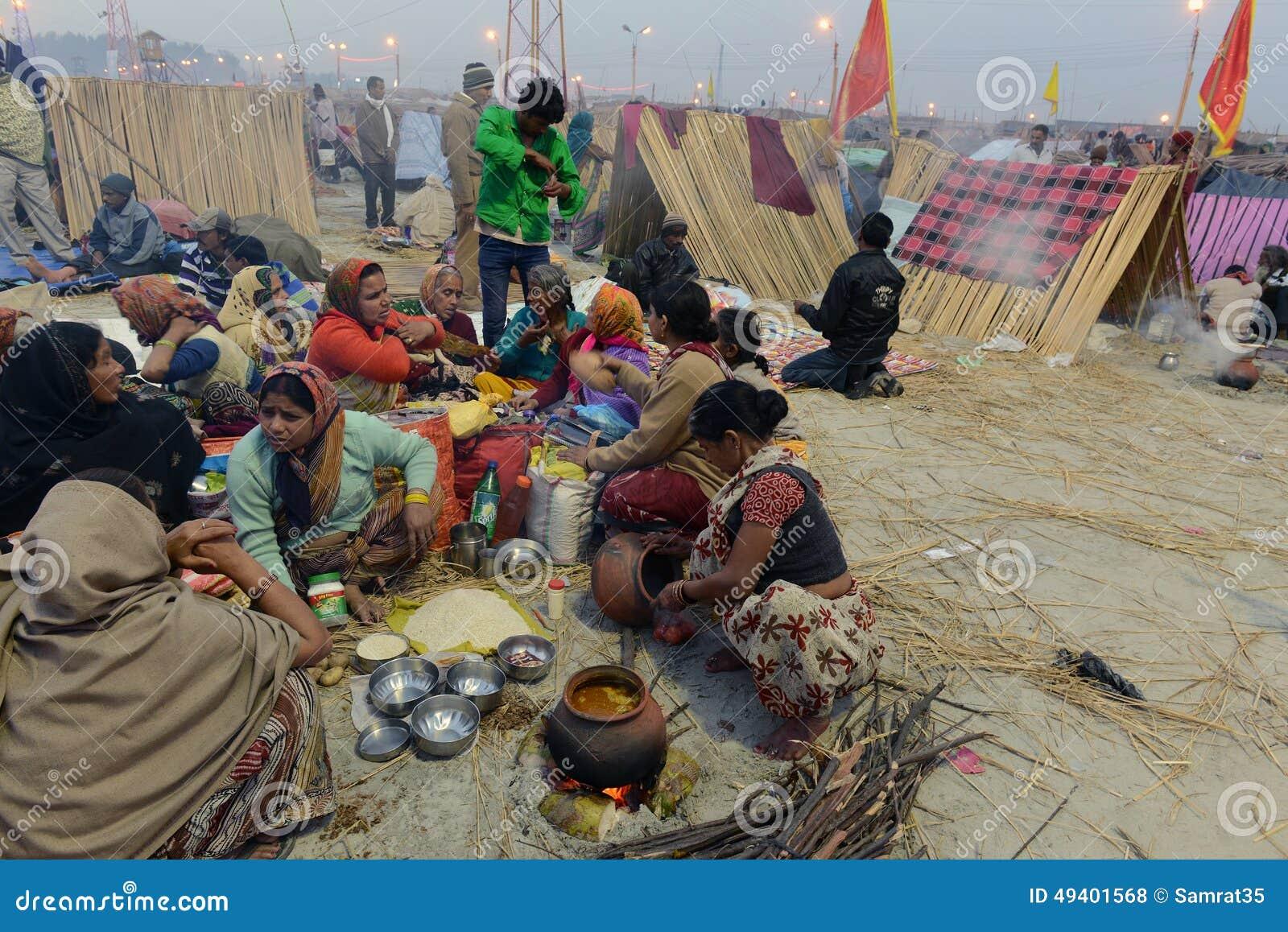 Download Hinduistisches Festival redaktionelles stockfoto. Bild von nebel - 49401568