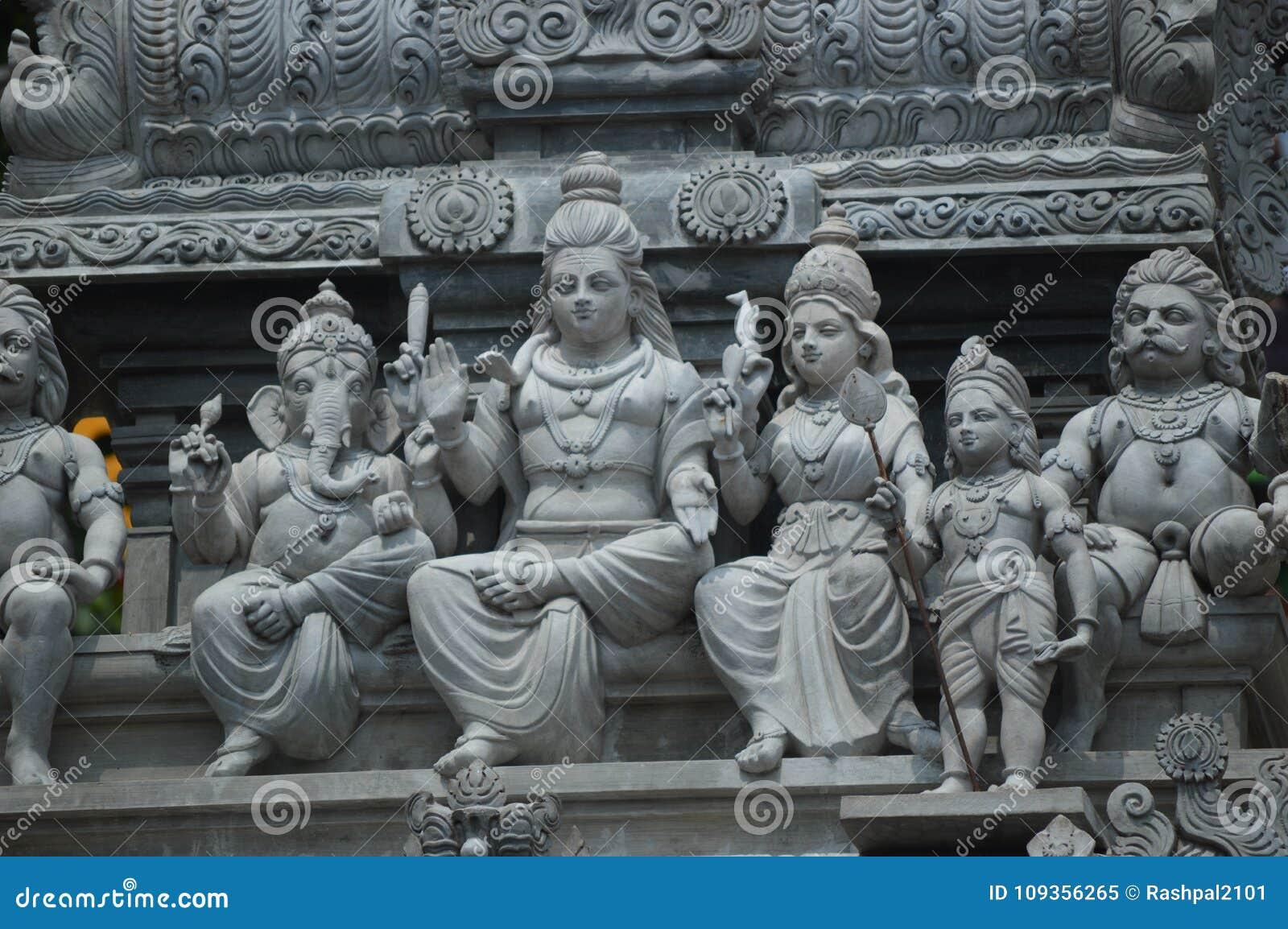 Hinduskich bóstw statua w Batu Jaskiniowy Malezja Lumpur, ind