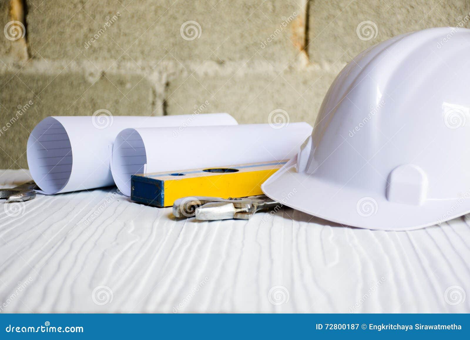 Fußboden Aus Packpapier ~ Hintergrund für architekten und handwerkerwerkzeug mit papier und