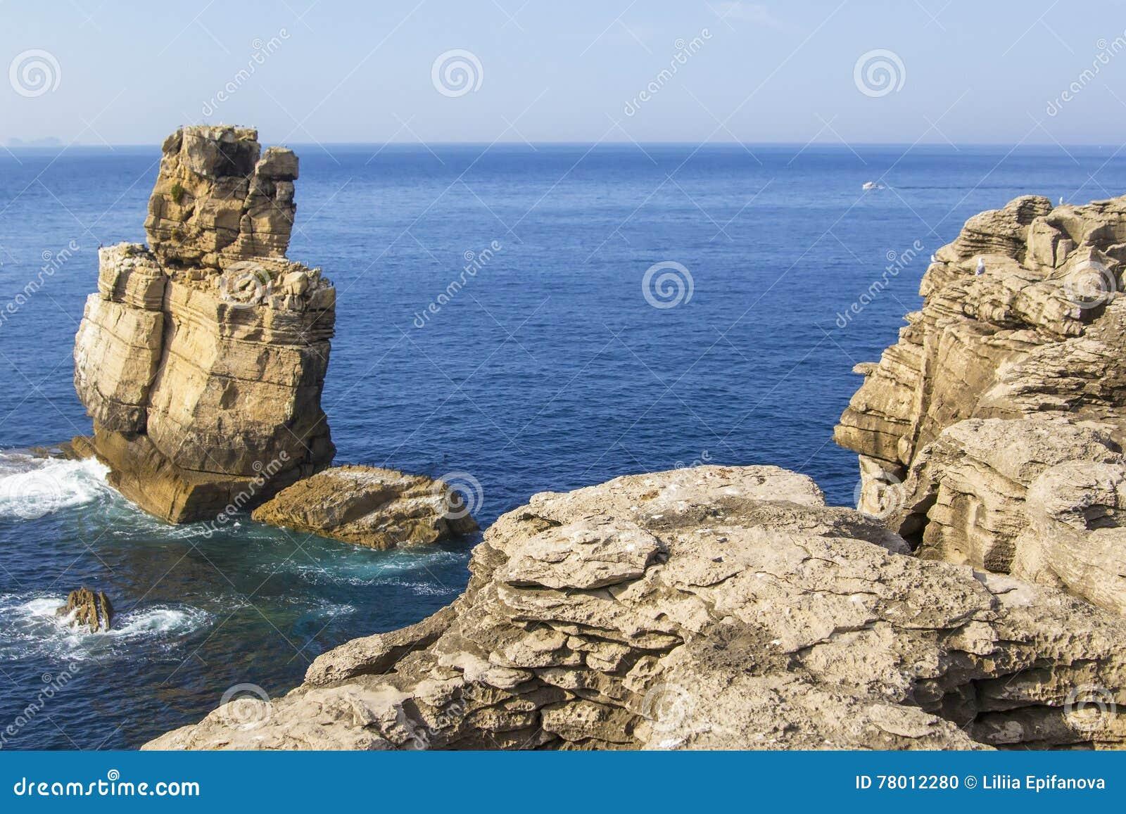 Hintergrundansicht von liffs in den peninsulae Cabo Carvoeiro