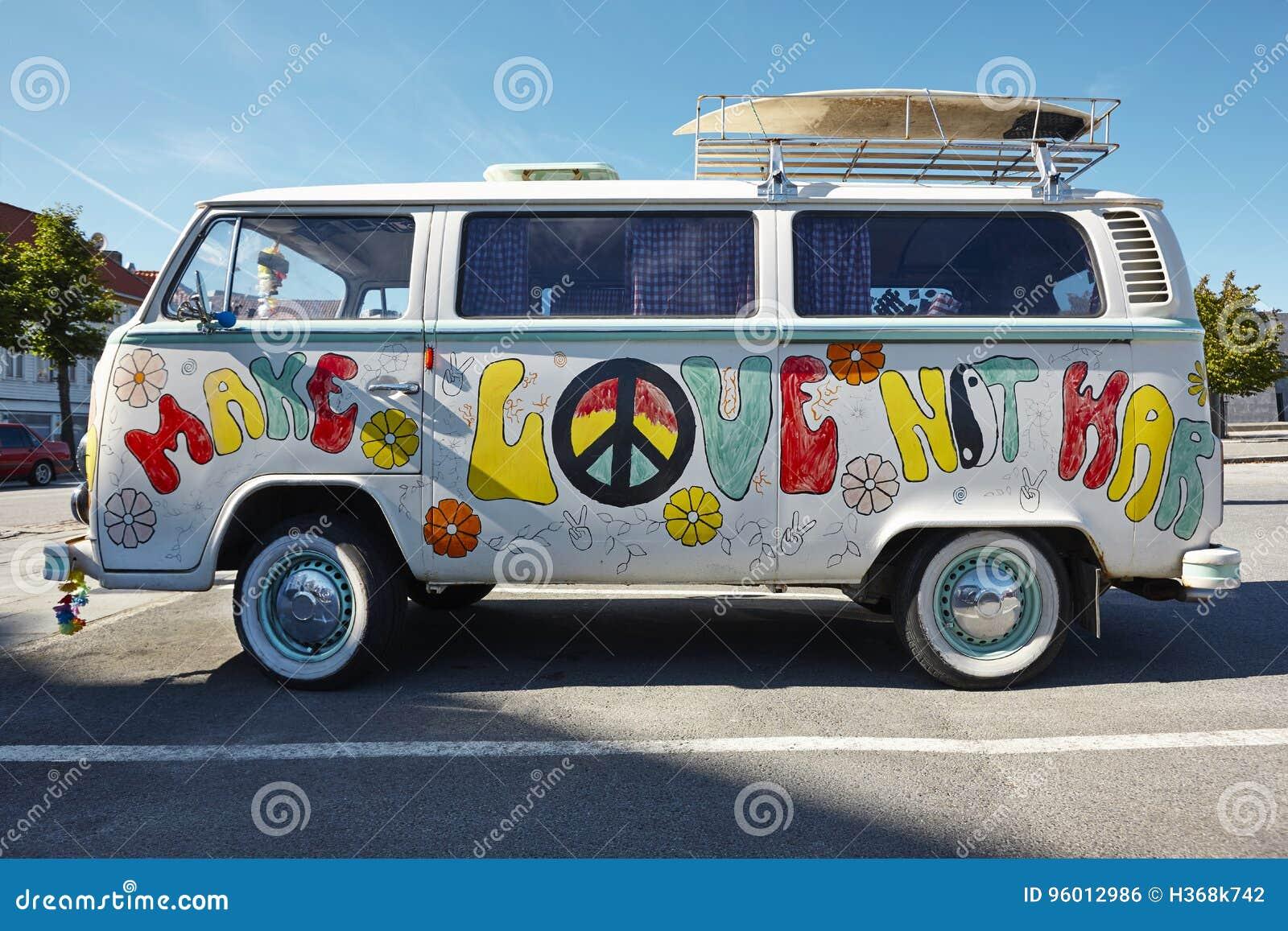 Hippiepackwagenretrostil Bilden Sie Krieg der Liebe nicht psychedelisch