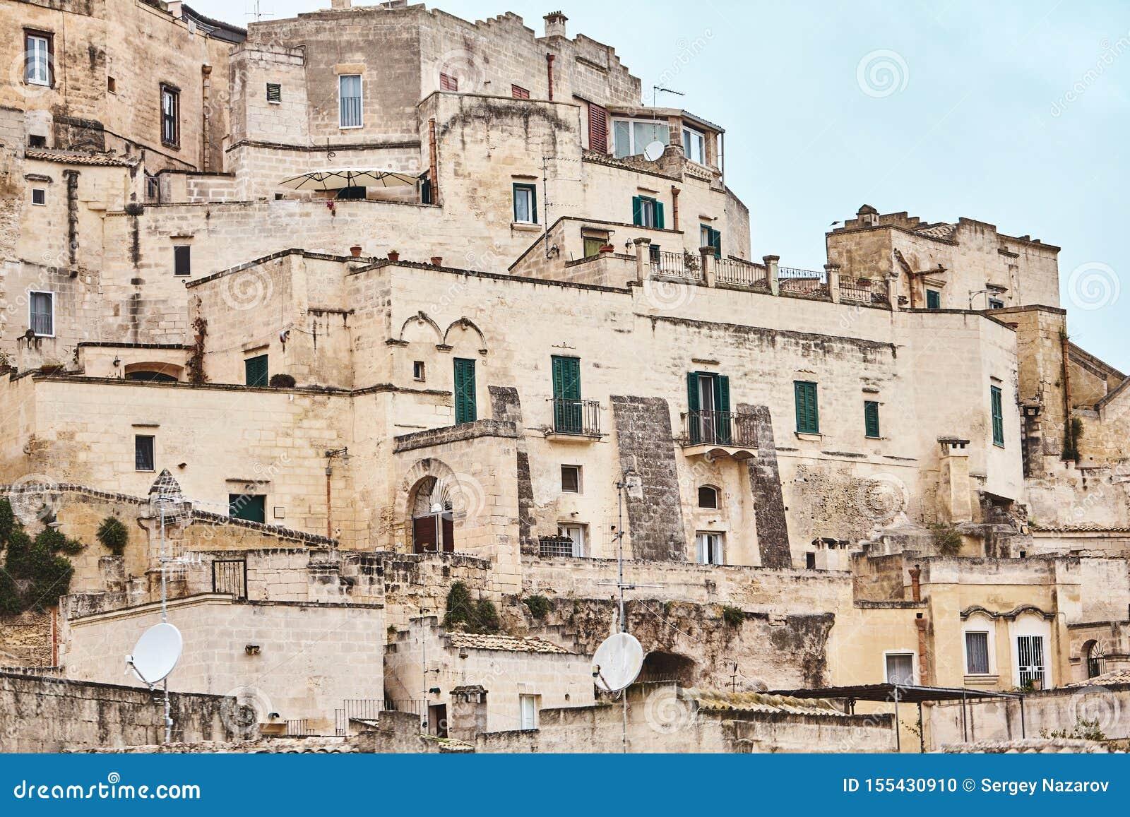 Hisnande sikt av den forntida staden av Matera, sydliga Italien