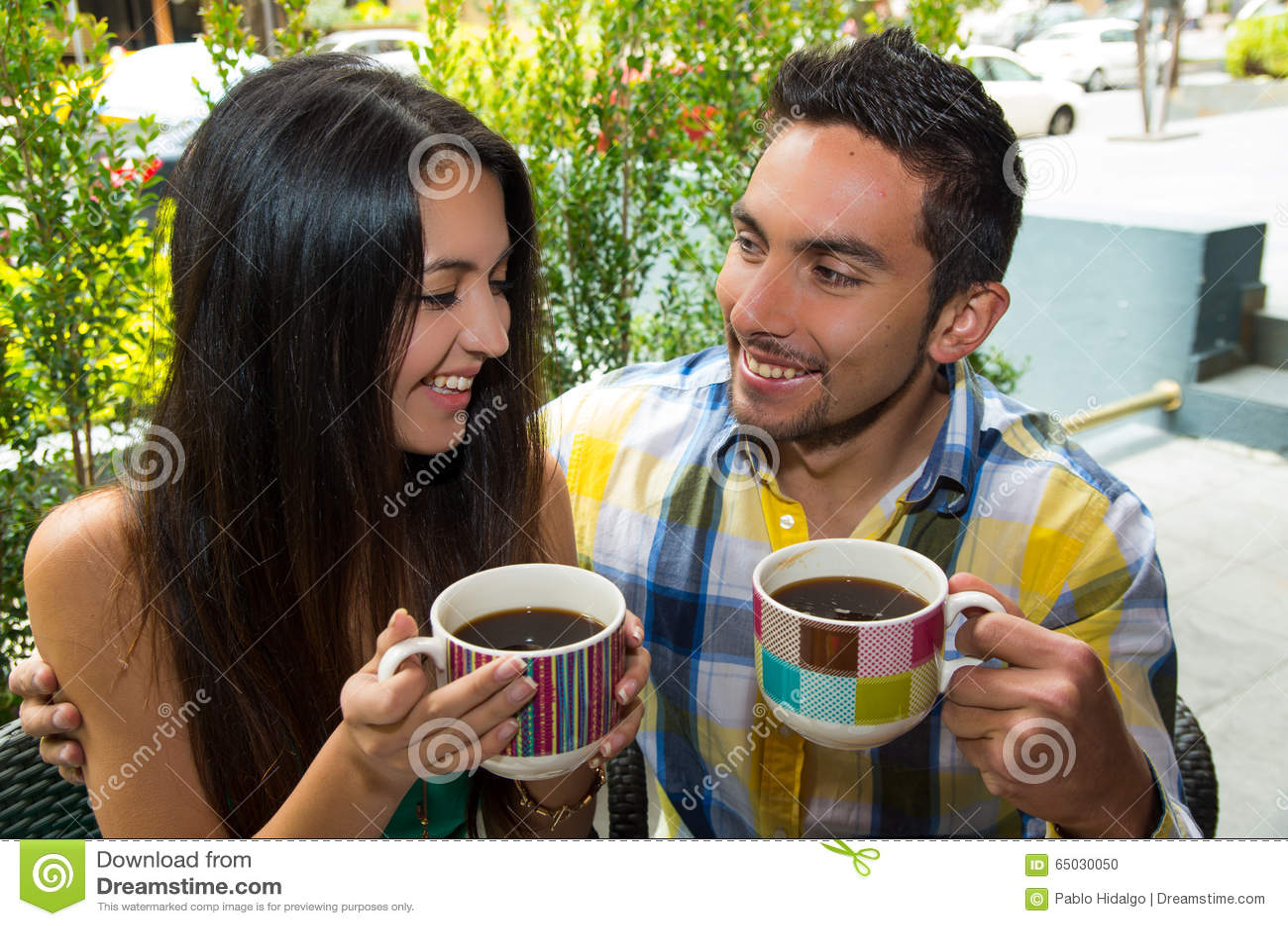 how to date a hispanic girl