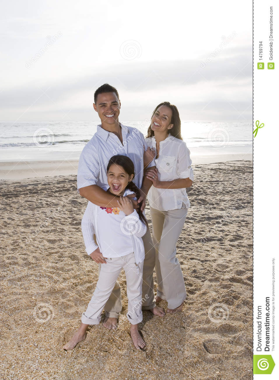 seaside single hispanic girls Dating a hispanic girl means venturing off into dangerous territory even if you try to prepare yourself, you will always get caught off-guard by all the family members and differences in culture.