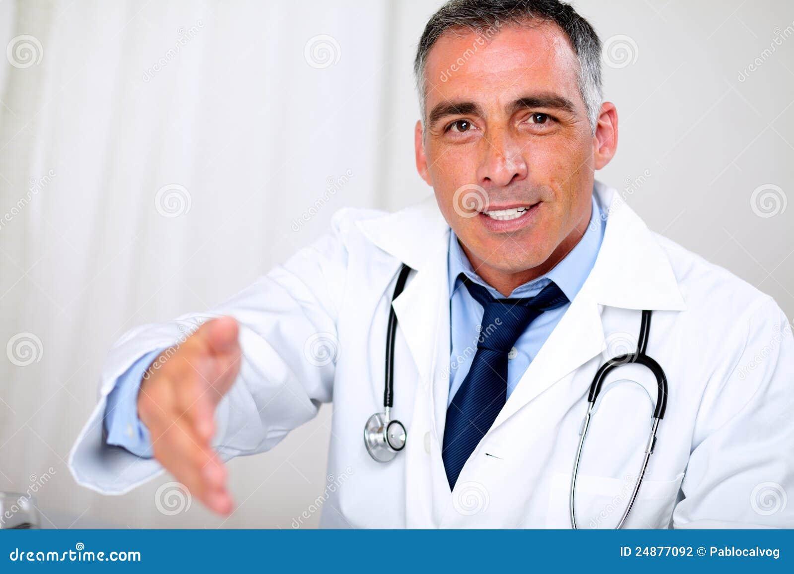 hispanic doctor