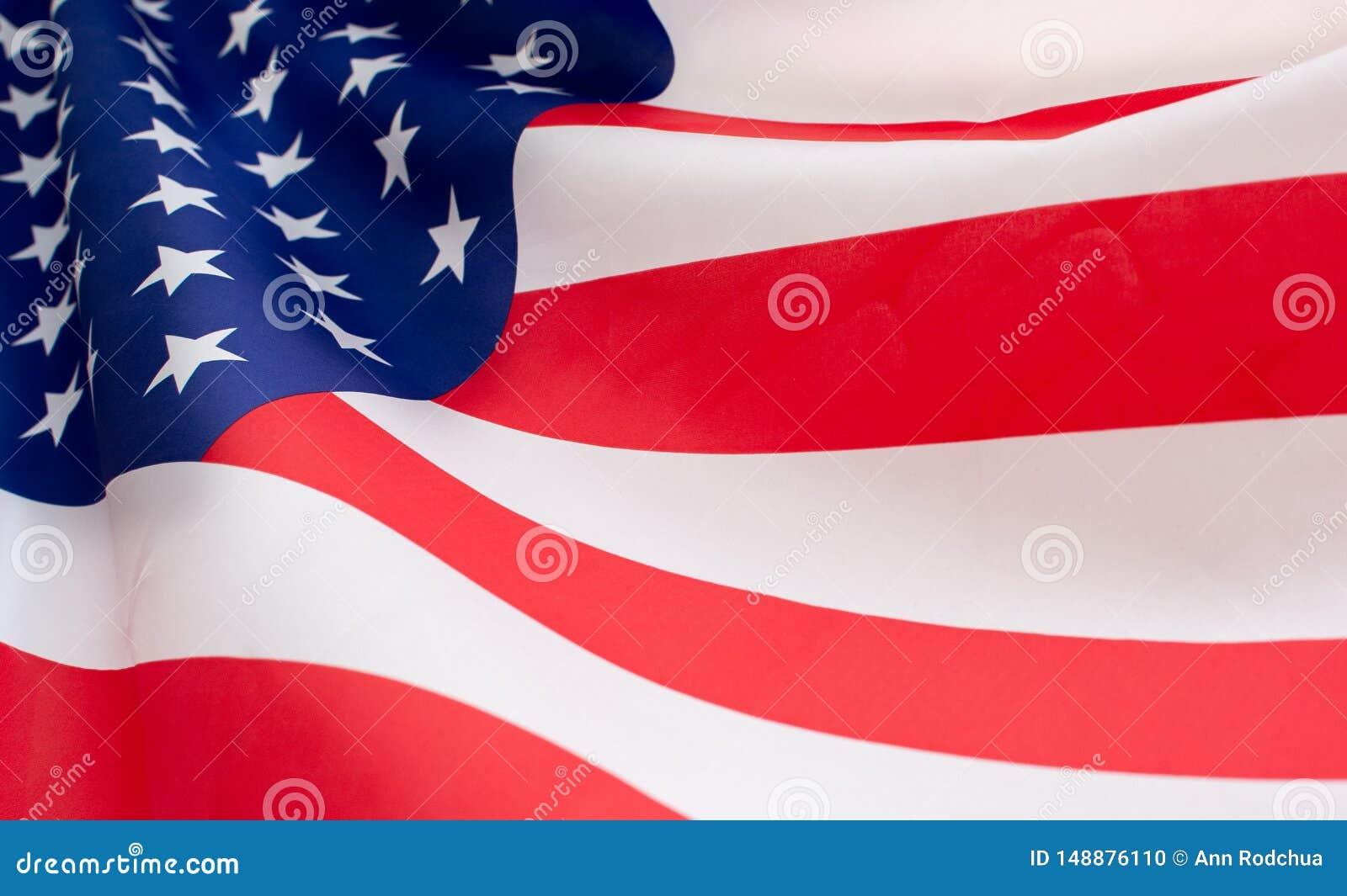 Hist?rico completo e close up da bandeira americana dos EUA que acena pelo vento
