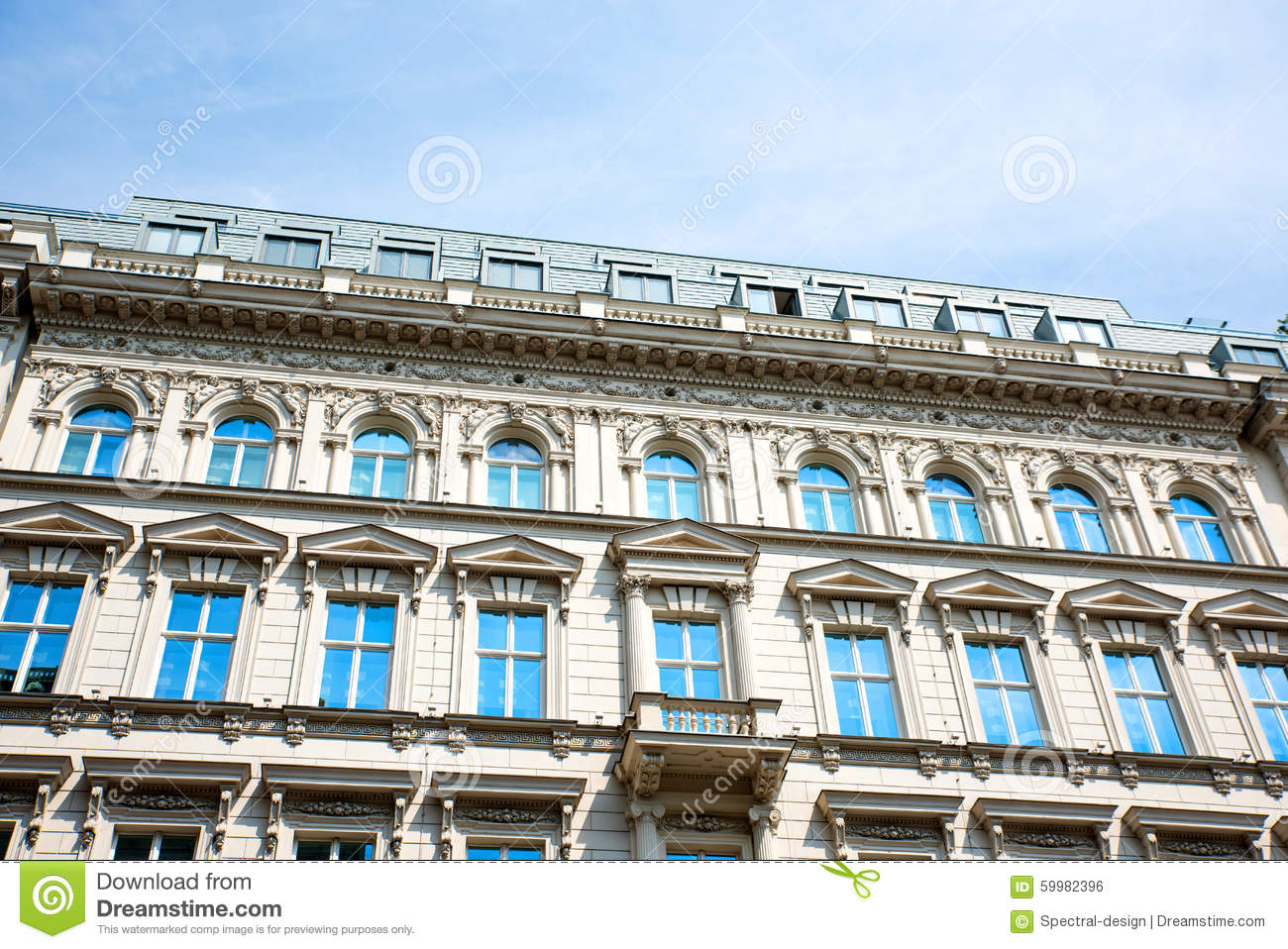 Historic architecture in vienna stock photo image 59982396 for Architecture vienne