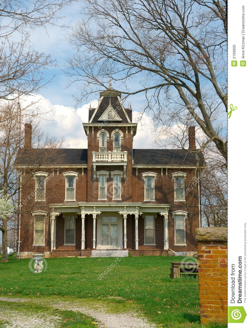 1800s Country Homes: Historic Brick Home 1800s Stock Photo