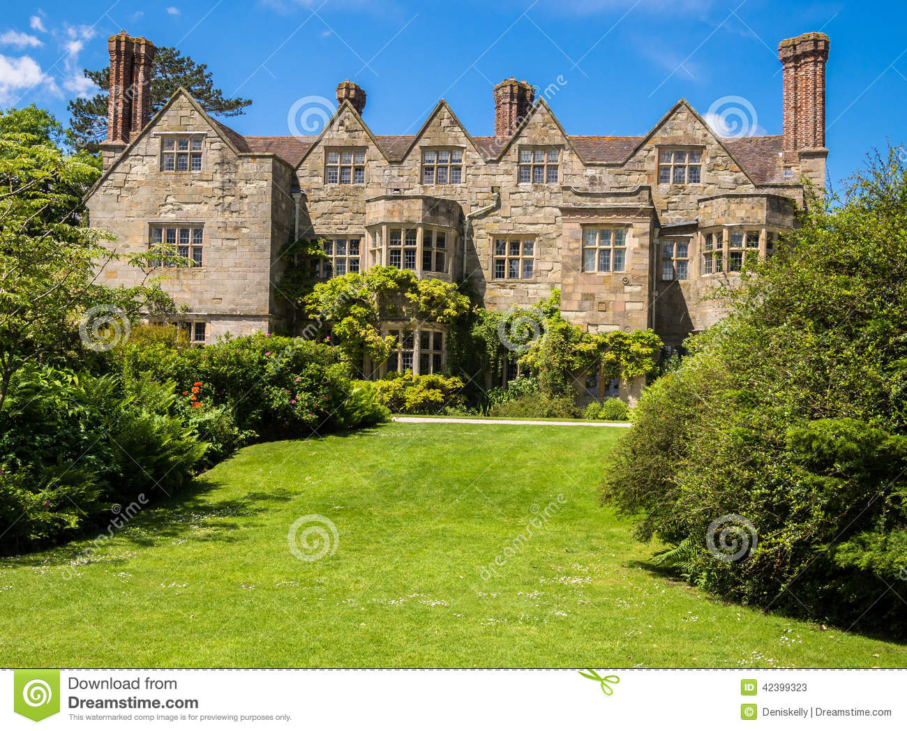 Historic english country house stock image image 42399323 for English country manor house plans