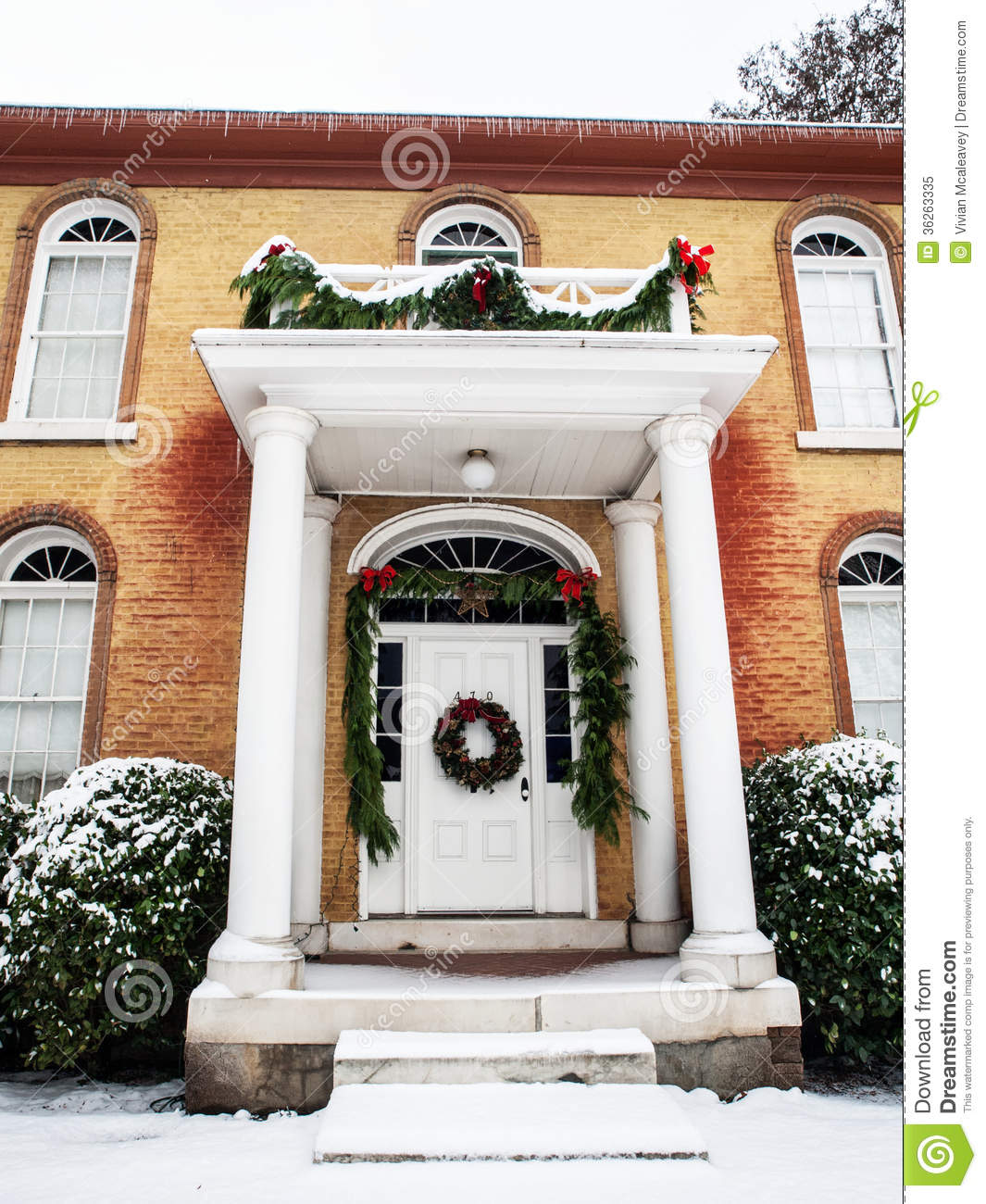 Christmas Decorations For Victorian Homes: Historic Home With Christmas Decorations Royalty Free