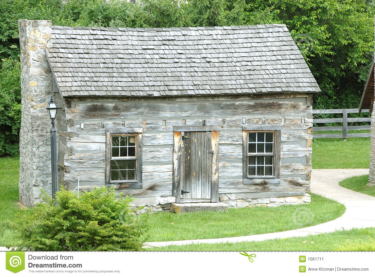 Historic log cabin 1770 stock image image 1061711 for Cabins 1770
