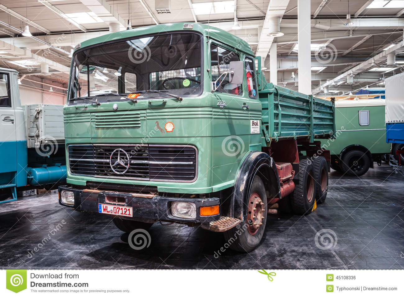 Historic mercedes benz truck editorial photo image 45108336 for Mercedes benz commercial trucks