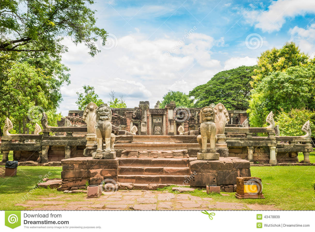 nakhon ratchasima province Secret art garden is located in nakhon ratchasima province plan to see secret art garden and other attractions that appeal to you using our mu si online travel route planner.