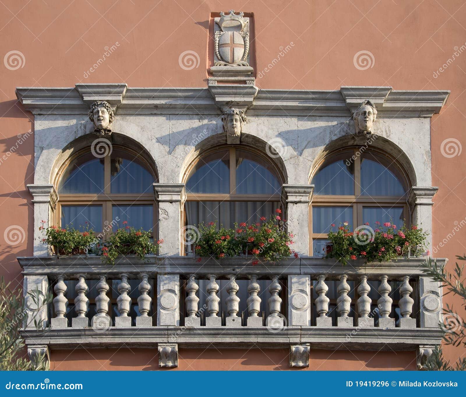 Historical windows in Vodnjan