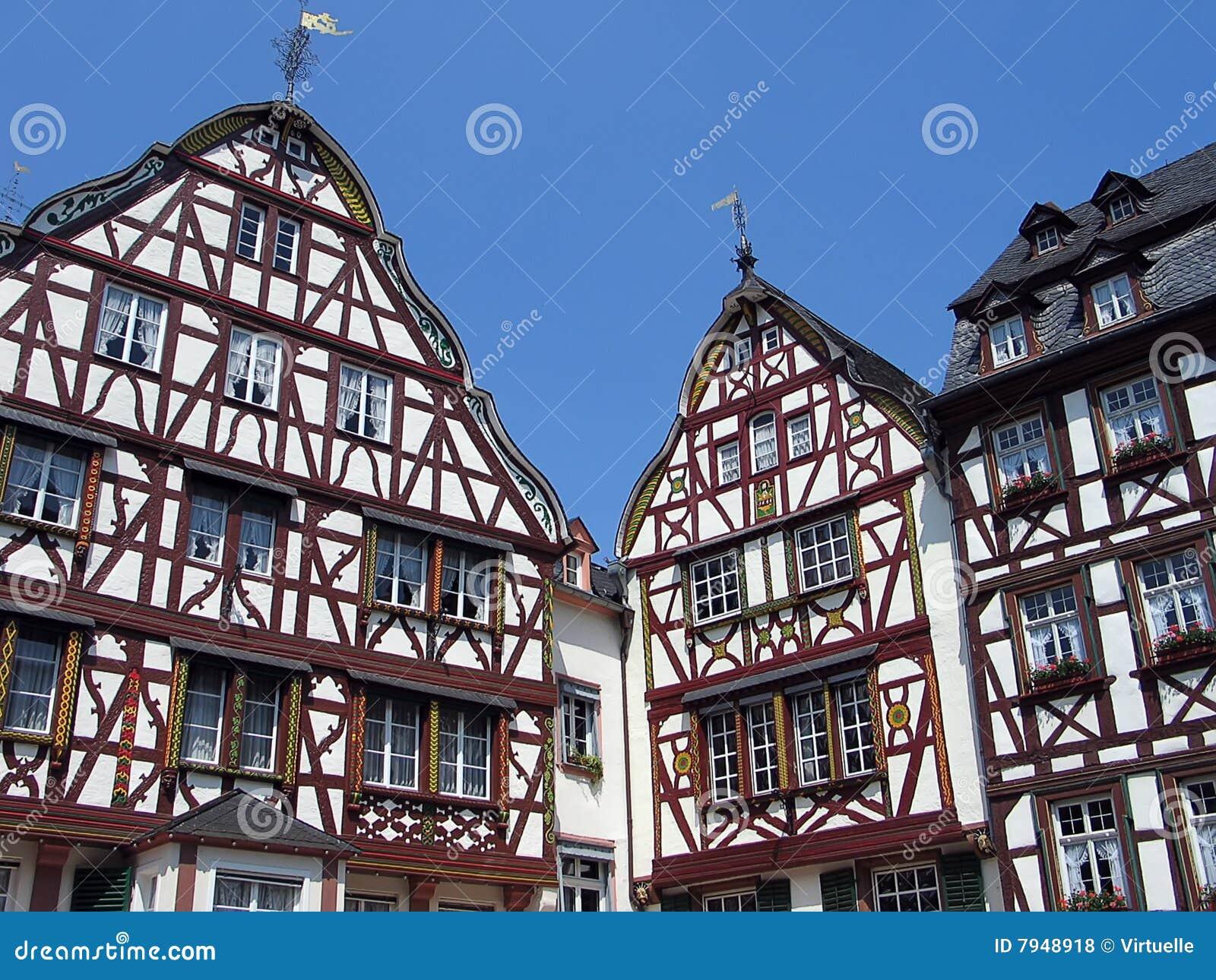 Historisch duits huis met hout en versiering royalty vrije stock foto 39 s afbeelding 7948918 - Huis buitenkant ...