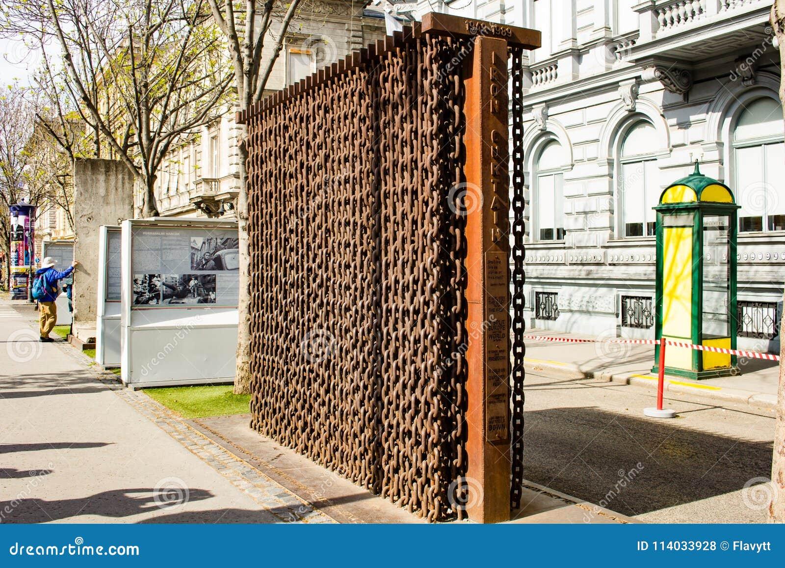 Historisch monument - IJzeren gordijngedenkteken