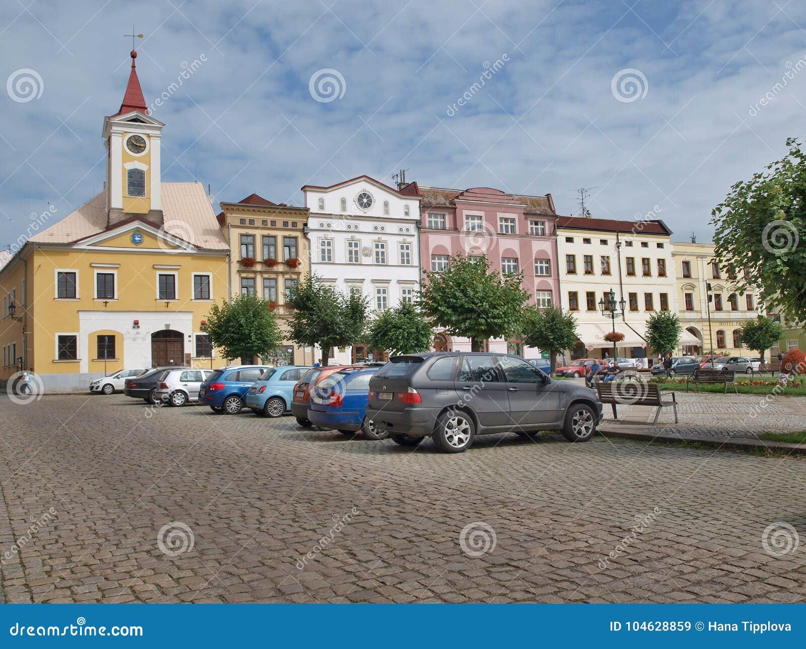 Download Historisch Vierkant, Stad Van Broumov, Oostelijke Bohemen Redactionele Stock Afbeelding - Afbeelding bestaande uit historisch, geschiedenis: 104628859