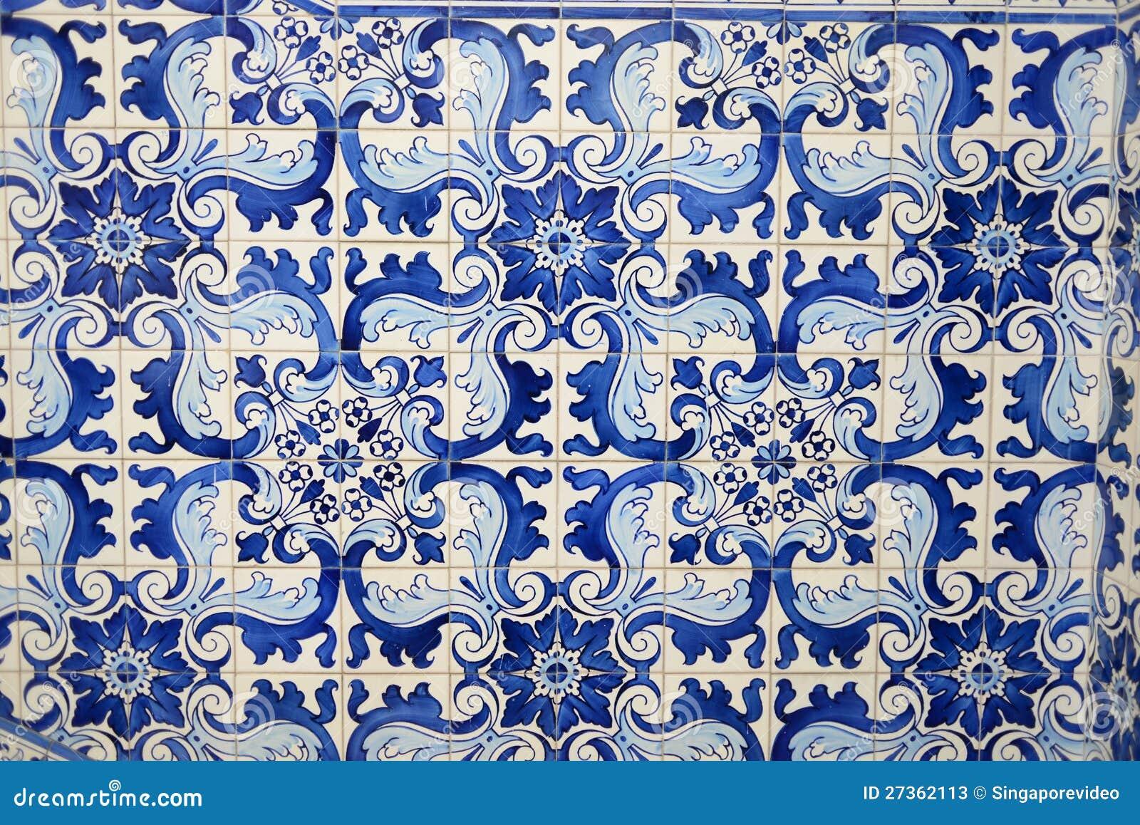 historische blaue fliesen vom orientalischen porzellan. Black Bedroom Furniture Sets. Home Design Ideas