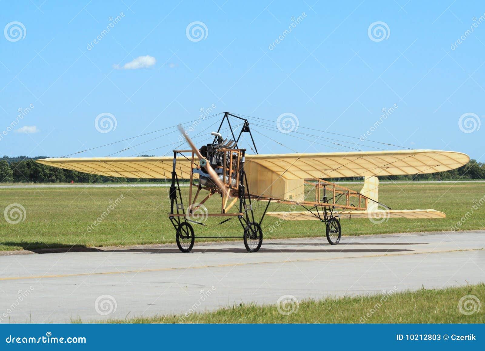Historische Flugzeuge Bleriot XI