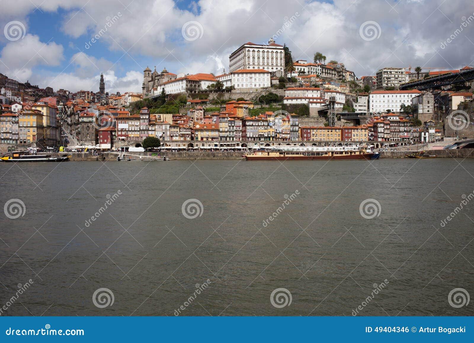 Download Historische Mitte Von Oporto In Portugal Stockfoto - Bild von site, grenzstein: 49404346
