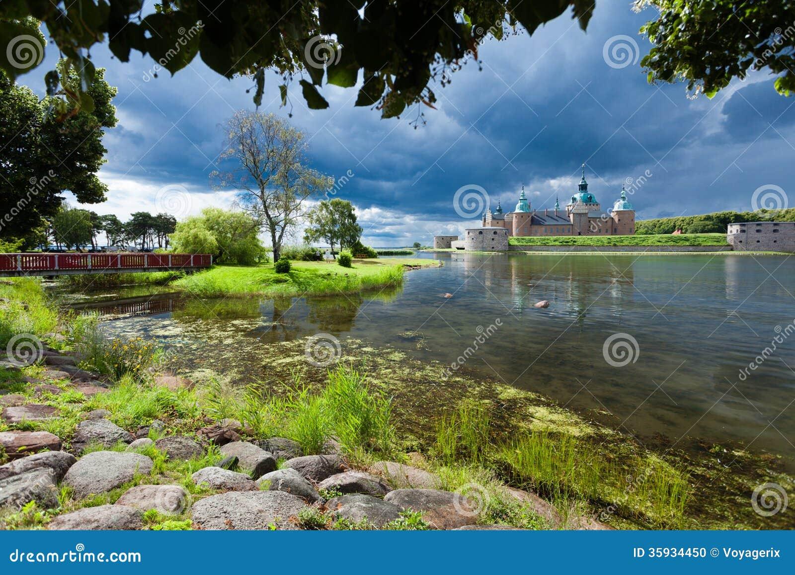 Historisches Kalmar-Schloss in Schweden Skandinavien Europa. Markstein.