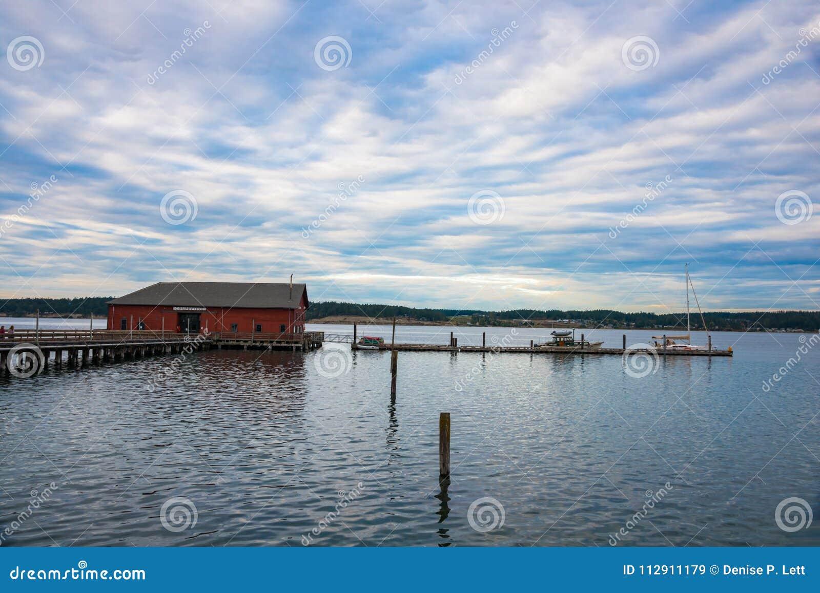 Historisk hamnplats av sjösidastaden av Coupeville på Whidbey I