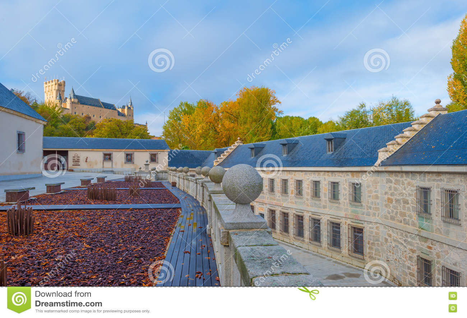 Historyczny budynek w Segovia