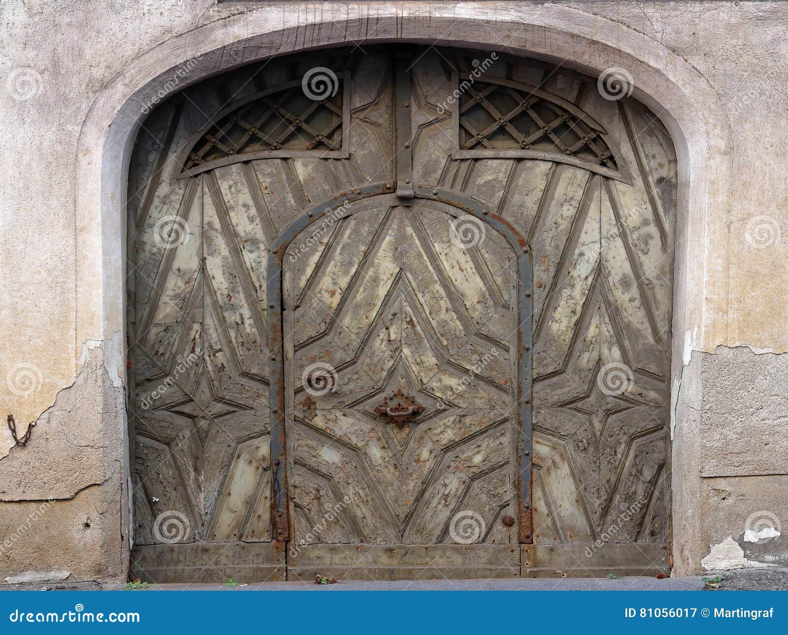 Historyczny hasłowy drzwi w Niemieckim mieście