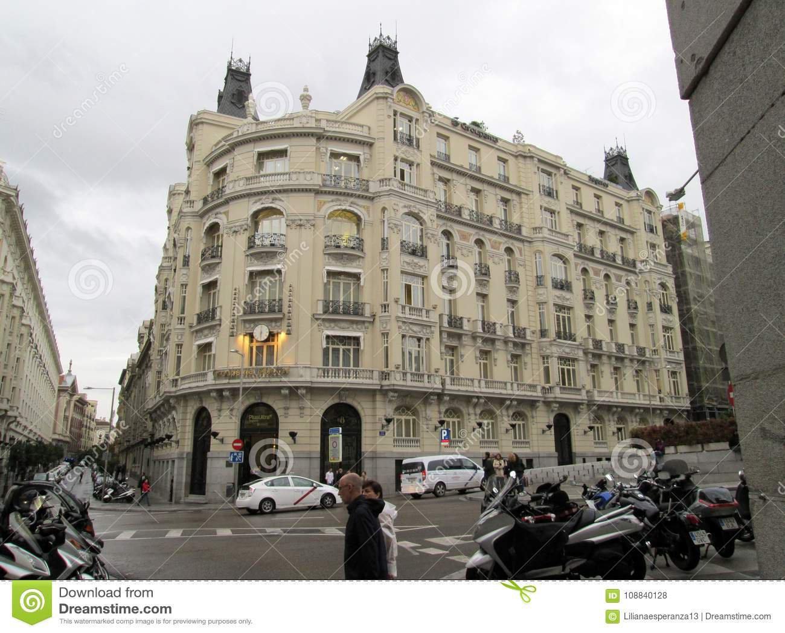 Hiszpania osiąga z chime Plus Ultra buduje Groupama, Madryt -