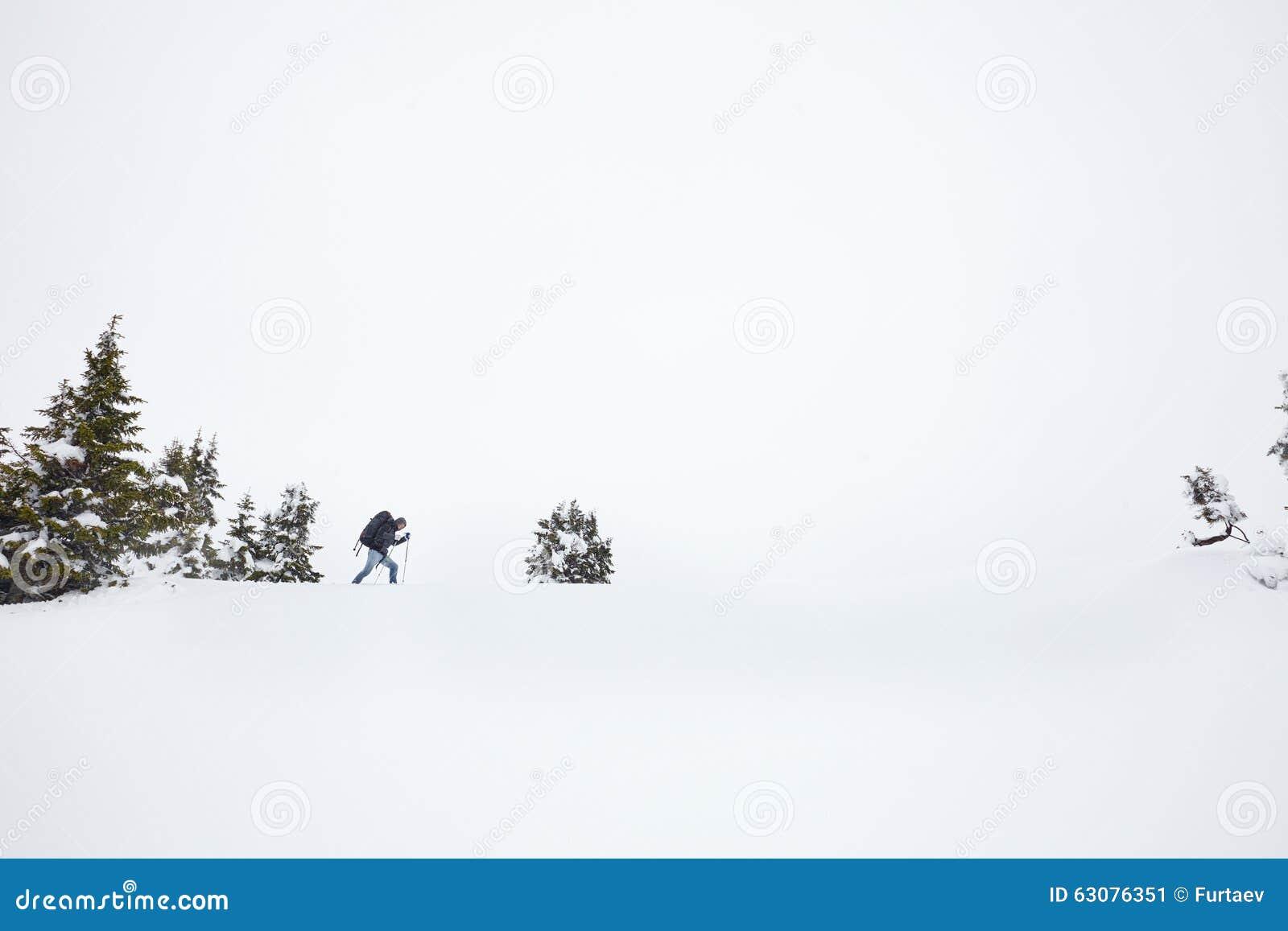 Download Hiver Augmentant Dans Les Alpes Image stock - Image du alpinistes, outdoors: 63076351